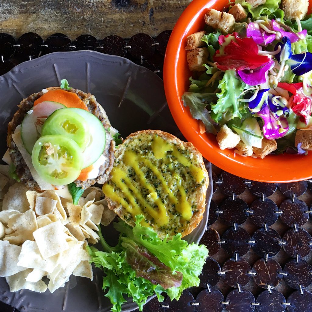 Mittagessen in der Bohol Bee Farm