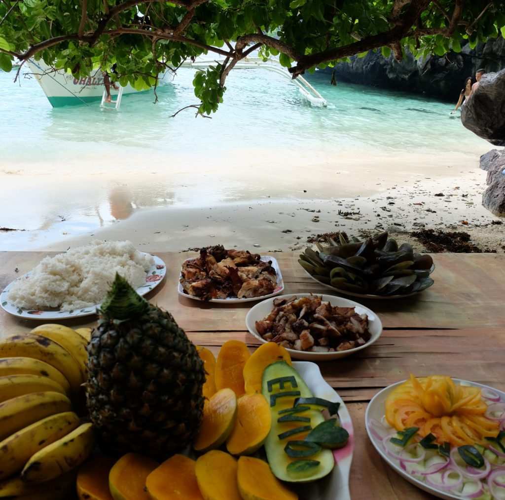 Ein typisches Mittagessen bei einer Island Hopping Tour