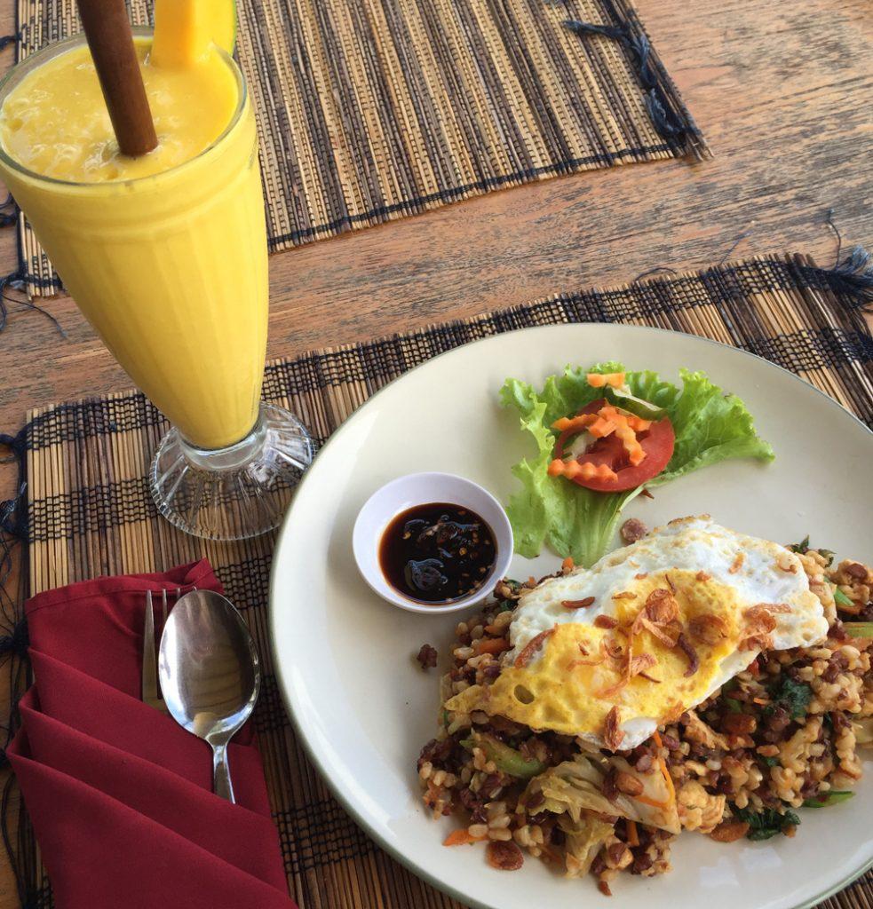 Mittagessen im Sari Organic Restaurant