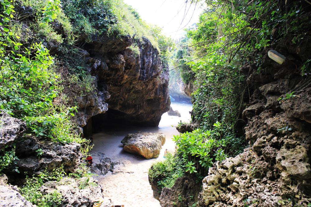 Der Weg zum Uluwatu Beach