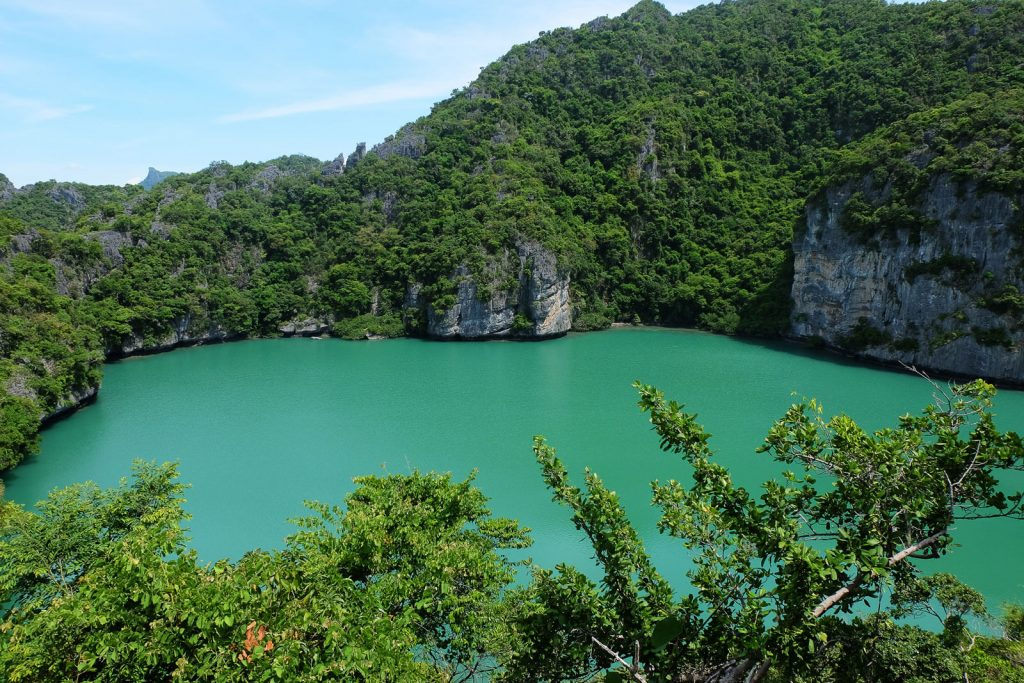 Ang Thong Emerald Lake