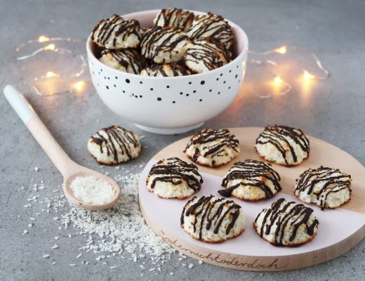 Low Carb Kokosmakronen mit Zartbitterschokolade